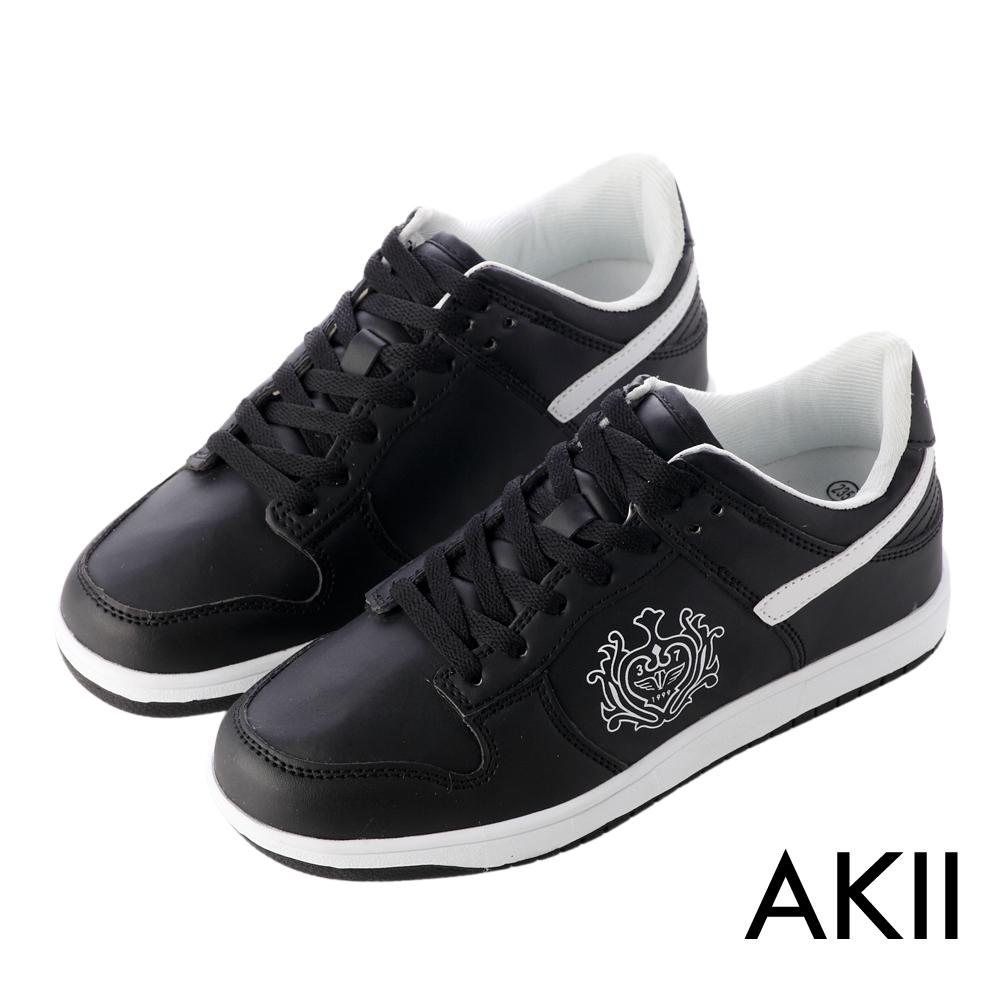 AKII韓國空運‧皇家徽章內增高休閒鞋-黑色
