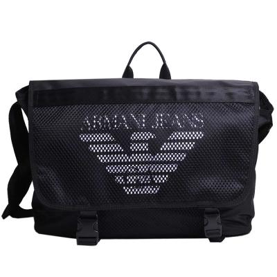 ARMANI JEANS 品牌大鷹圖騰 LOGO 手提/斜背兩用包(黑色)