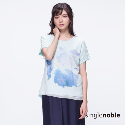 獨身貴族 雅緻水彩筆觸渲染花朵短袖上衣(3色)