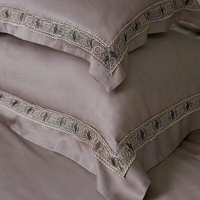 義大利La Belle 查理國王 加大天絲蕾絲四件式防蹣抗菌舖棉兩用被床包組