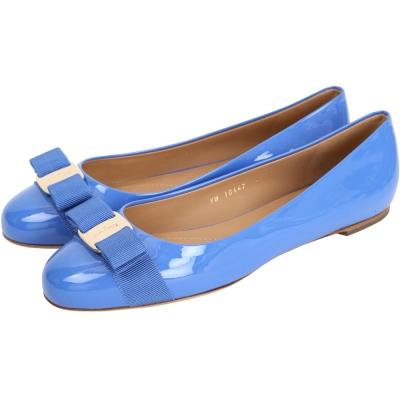 Salvatore Ferragamo VARINA 漆皮娃娃鞋(紫藍色)