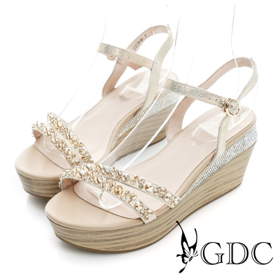GDC-閃耀水鑽木紋一字真皮楔型厚底涼鞋-金色