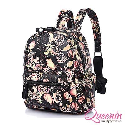 DF Queenin日韓 - 首爾直擊時尚玫瑰印花質感後背包-黑玫瑰