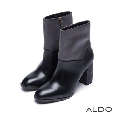ALDO-真皮黑色Y字車線木紋粗跟靴-尊爵黑色