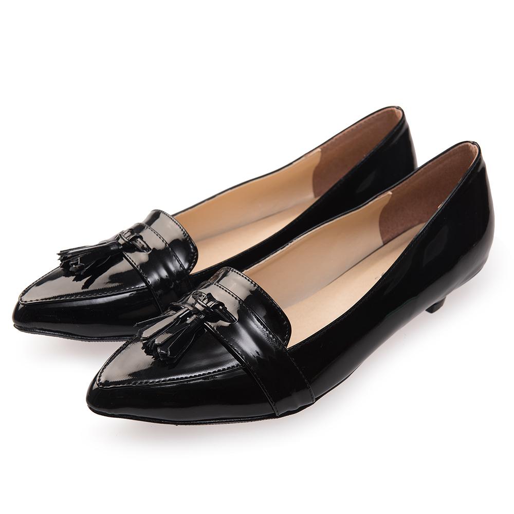 Chichi 簡約時尚 尖頭流蘇漆皮低跟鞋*黑色