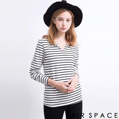 AIR-SPACE-V字領口條紋長袖上衣-白底黑條