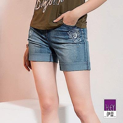 ILEY伊蕾 刺繡燙鑽修身彈力牛仔短褲(藍)
