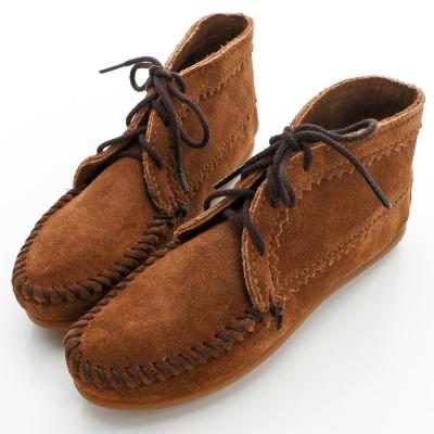 MINNETONKA 咖啡色印地安手工麂皮踝靴