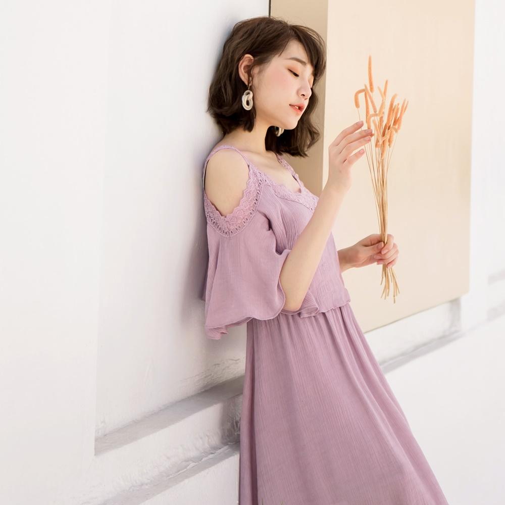 乾燥玫瑰鏤空蕾絲滿版壓褶縮腰長洋裝-OB大尺碼