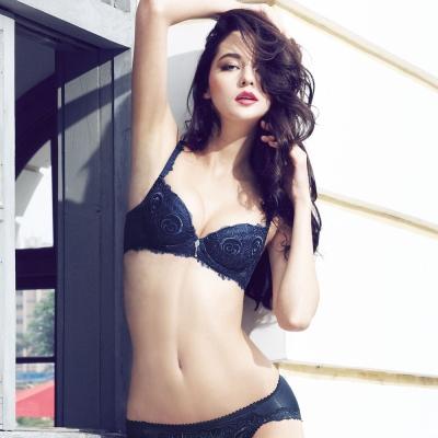 曼黛瑪璉-法式香吻刺繡蕾絲內衣  B-E罩杯(黑鍛藍)