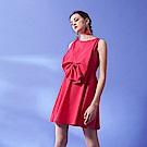 設計獨家款時尚立體剪裁蝴蝶結無袖造型連身禮服洋裝(兩色)-桃