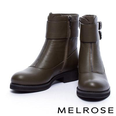 短靴 MELROSE 獨特環繞式金屬釦繫帶牛皮粗跟短靴-綠