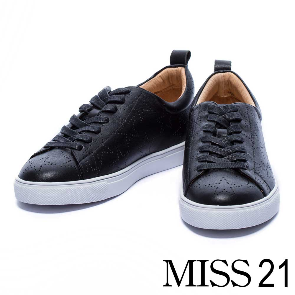 休閒鞋 MISS 21 帥氣沖孔星星牛皮綁帶休閒鞋-黑