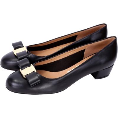 Salvatore Ferragamo VARA 皮革蝴蝶結粗跟鞋(黑色)