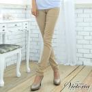 Victoria 天絲棉窄直筒褲-女-卡其