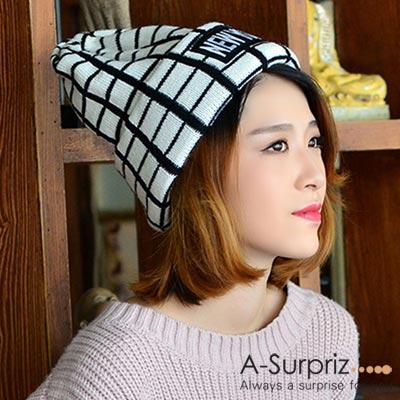 A-Surpriz NEW YORK格紋反摺毛線帽(黑線白格)