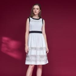 Chaber巧帛 氣質精緻3D蕾絲雕花羊毛拼接造型洋裝-白