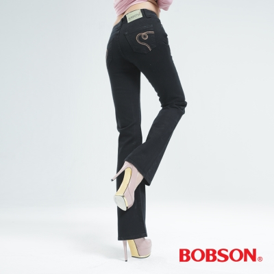 BOBSON 後袋翅膀刺繡小喇叭褲(黑色)