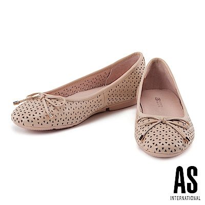 娃娃鞋 AS 俐落幾何沖孔造型全真皮平底娃娃鞋-杏