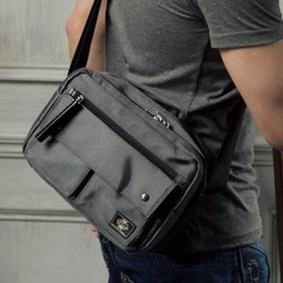 Kernel-機能性雙口袋帆布側背包-灰