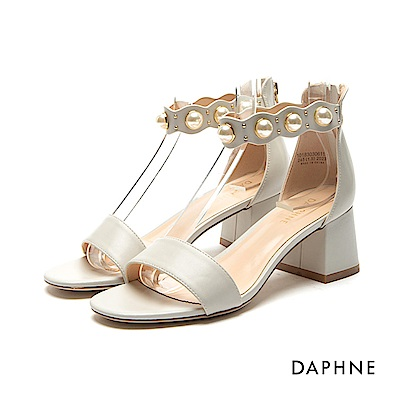 達芙妮DAPHNE 涼鞋-珍珠花邊踝帶一字粗跟涼鞋-米白