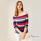 OUWEY歐薇 繽紛條紋一字領針織上衣(紅)-動態show