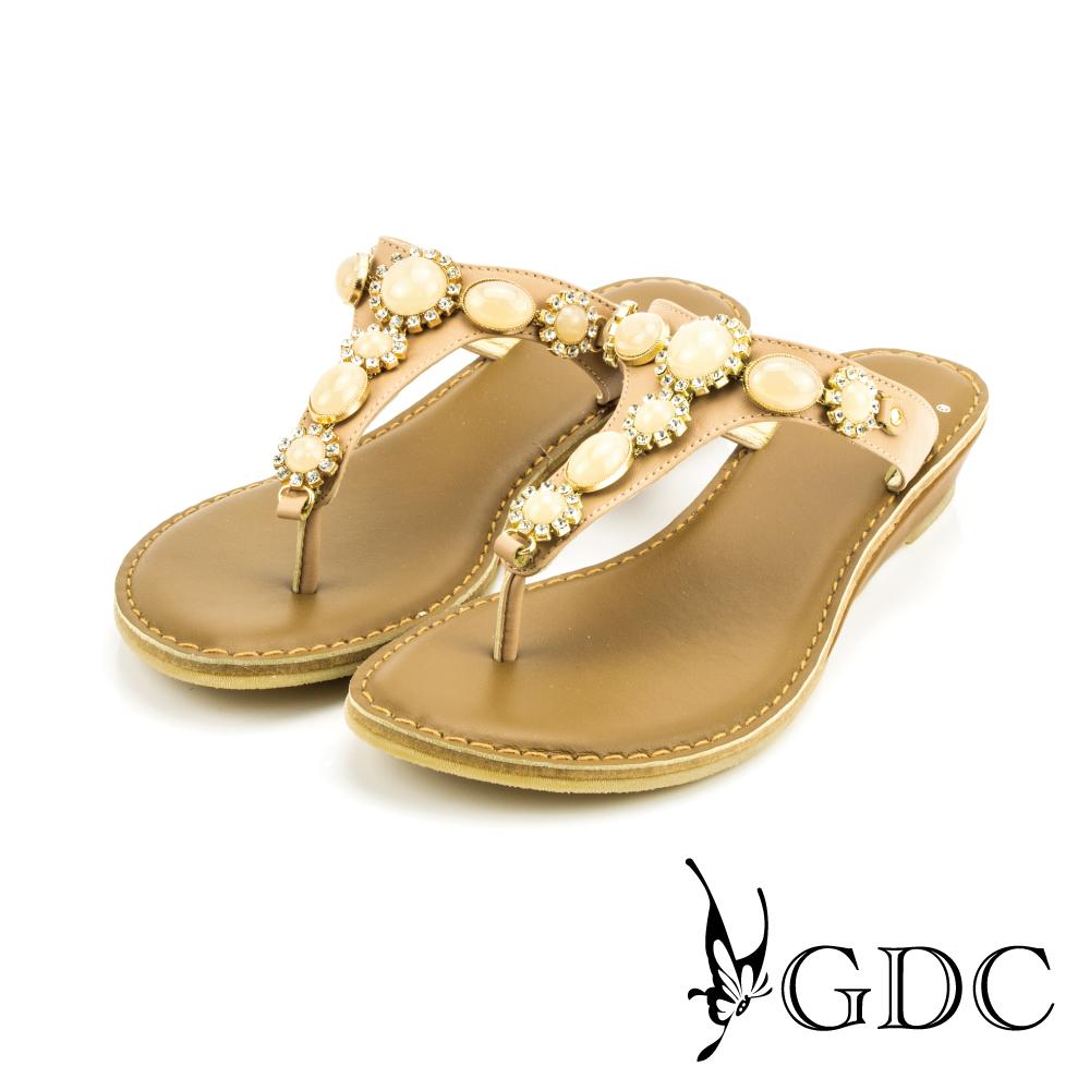GDC-貴氣時尚寶石水鑽真皮T字楔型拖鞋-可可色
