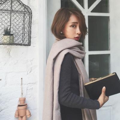 梨花HaNA-冬日純淨卡其鑲邊圍巾披肩