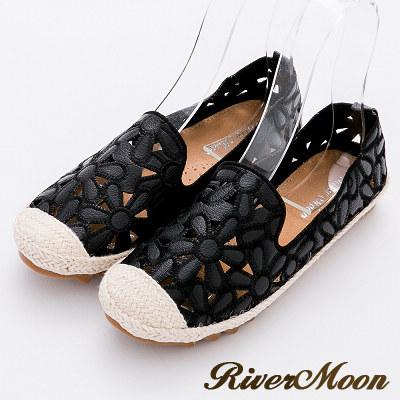 River&Moon樂福鞋-花朵簍空真皮麻編Q軟懶人便鞋-黑系
