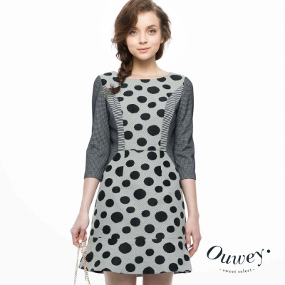 OUWEY歐薇-大小波點剪接顯瘦洋裝