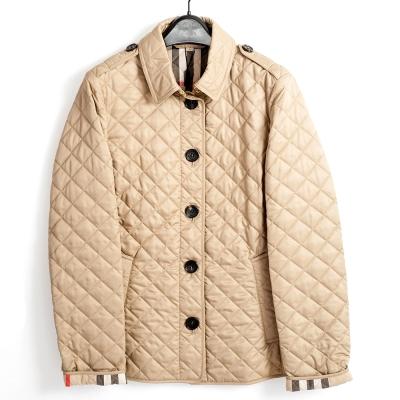 BURBERRY 經典菱形絎縫外套