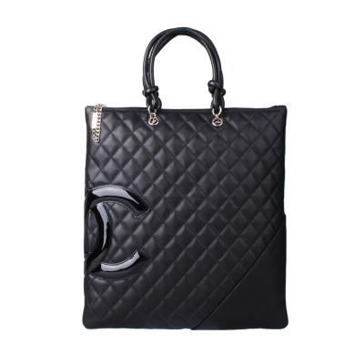 CHANEL 經典康朋系列造型漆皮雙C手提扁包(黑黑)