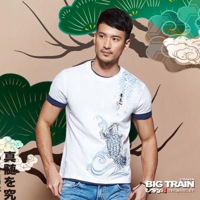 BIG TRAIN 櫻花鯉魚圓領T-男-白色