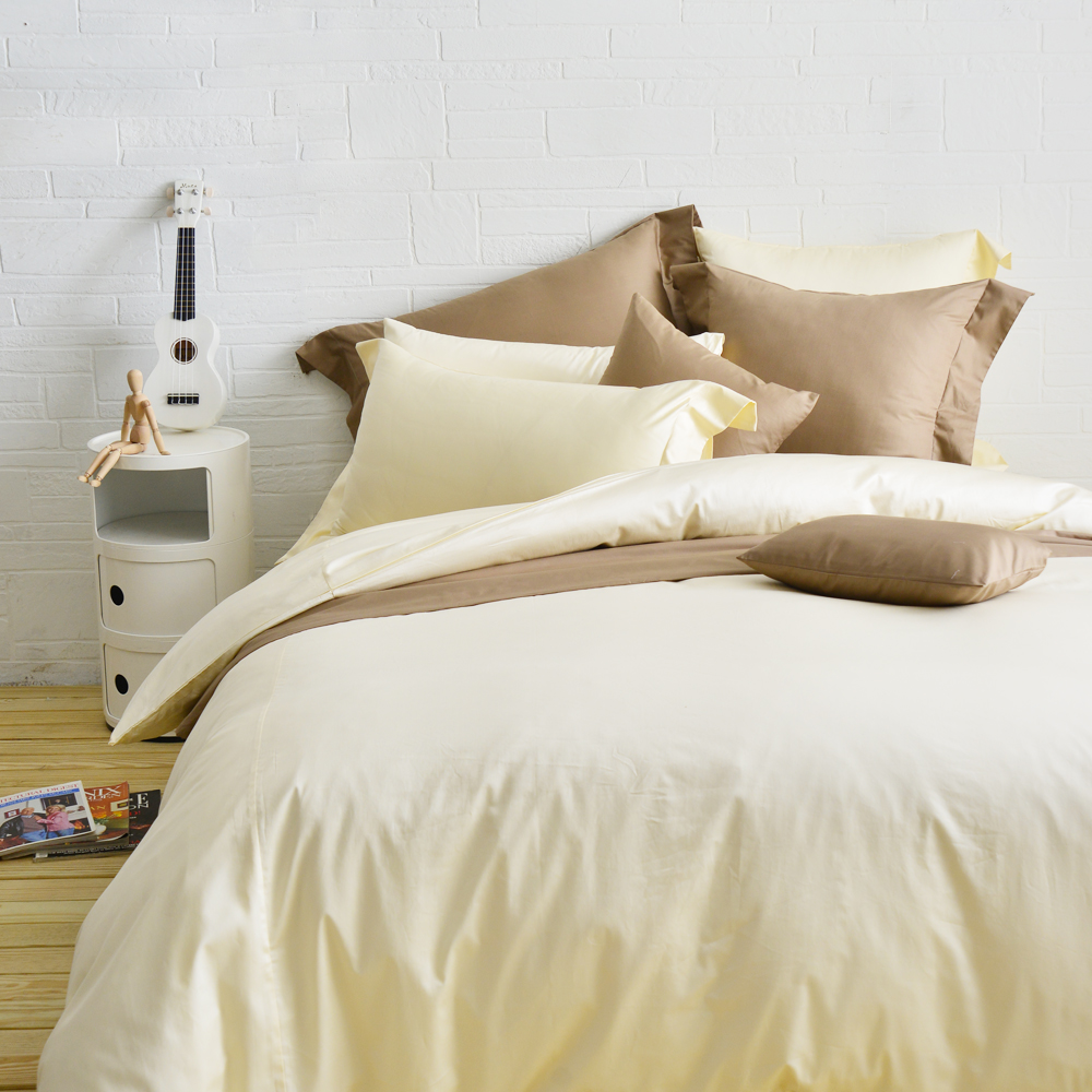 Cozy inn 極致純色-鵝黃-300織精梳棉四件式被套床包組(加大)