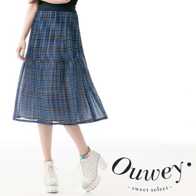OUWEY歐薇-藍白格紋細壓摺雪紡長裙