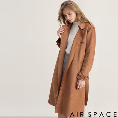 AIR SPACE 翻領開襟長版麂皮絨風衣外套(咖啡)