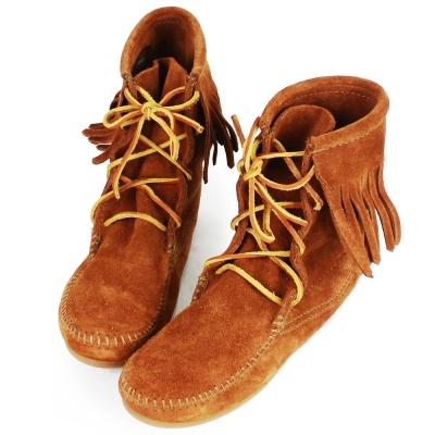 MINNETONKA 咖啡色麂皮單層流蘇 中筒靴 經典必備 (展示品)