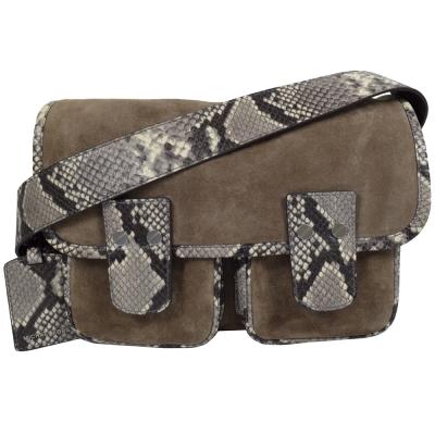 MICHAEL KORS HEWITT麂皮蛇紋飾邊翻蓋雙扣斜背包.褐灰