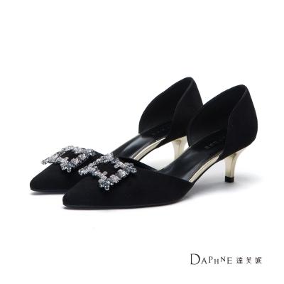 達芙妮DAPHNE-高跟鞋-方型鑽飾絨布中空尖頭鞋-黑