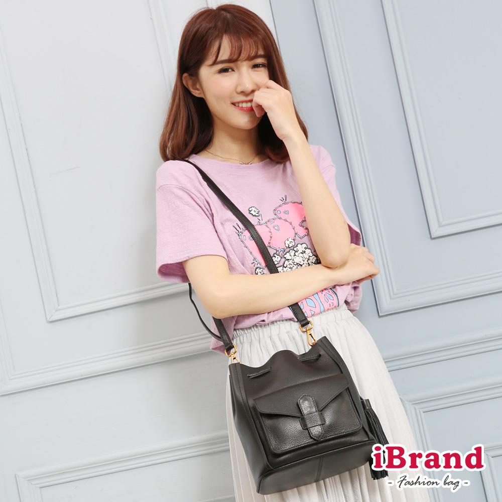 iBrand 韓國同步流行簡約口袋流蘇水桶包-黑