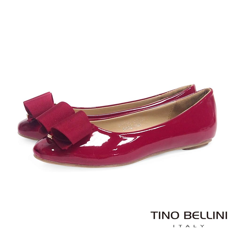 Tino Bellini 立體緞帶飾釦小方頭娃娃鞋_紅