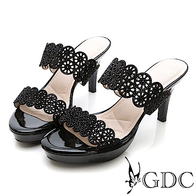 GDC-羊皮雕花簍空亮面一字細跟拖鞋-黑色