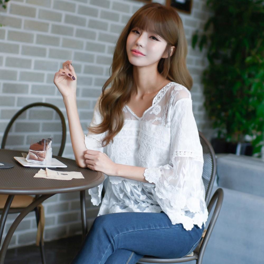La Belleza透視罩衫甜美立體花朵刺繡性感蕾絲寬袖上衣
