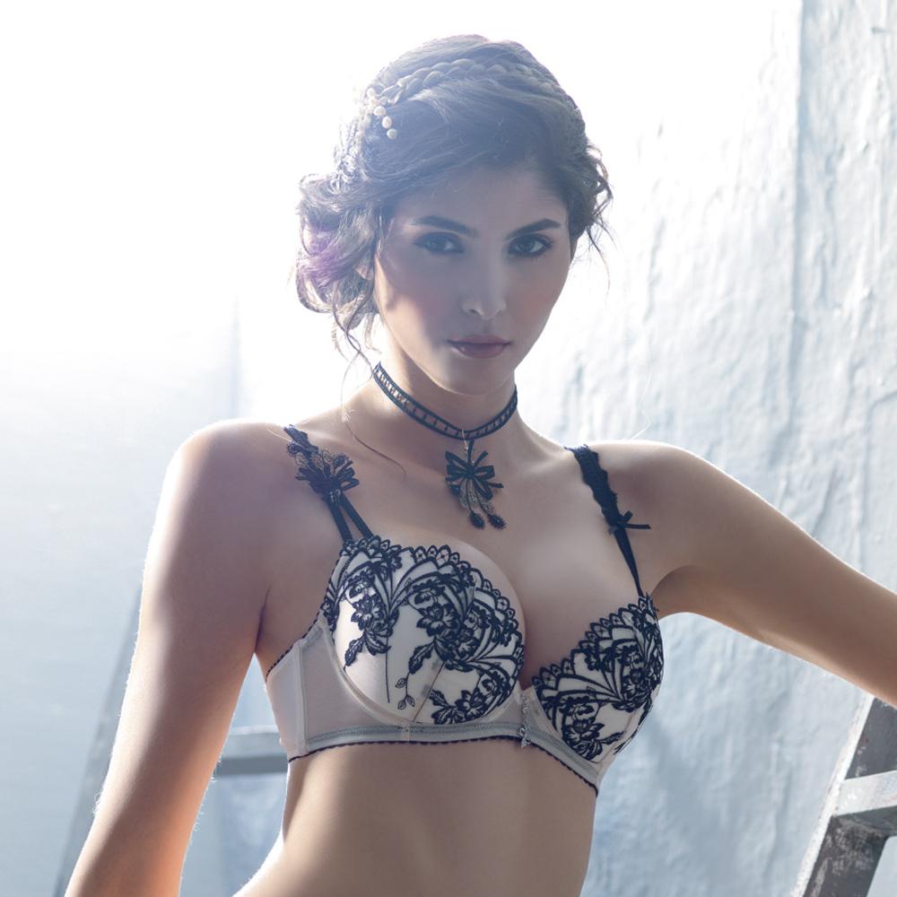 LADY 扇形花影系列 B-F罩 深V內衣(鵝黃膚)