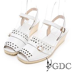 GDC-真皮愛心沖孔扣環甜美涼鞋-白色