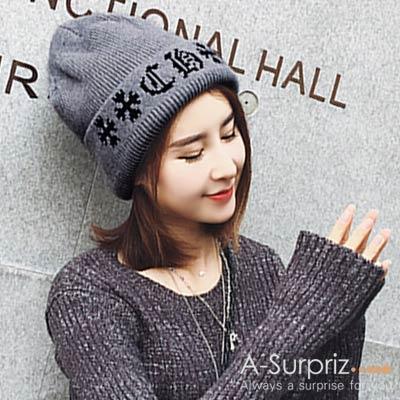 A-Surpriz-帥氣十字電繡毛線帽-灰