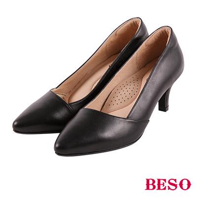 BESO 質感簡約 尖頭斜口上班族OL跟鞋~黑軟皮
