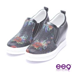 ee9 心機異材質拼接水鑽花朵內增高休閒鞋-黑色