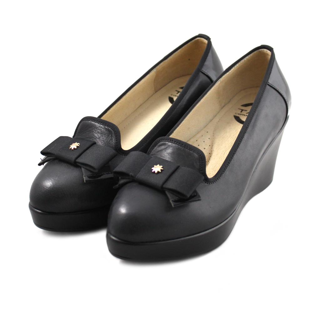 TAS 層次蝴蝶結滾邊楔型樂福鞋-優雅黑