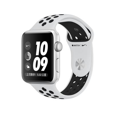 Apple Watch Series3 Nike+ GPS, 42mm銀鋁錶殼搭黑Nike錶帶